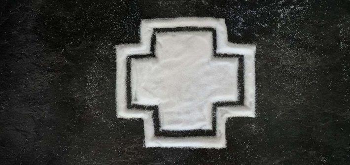 Kreuz aus Zucker